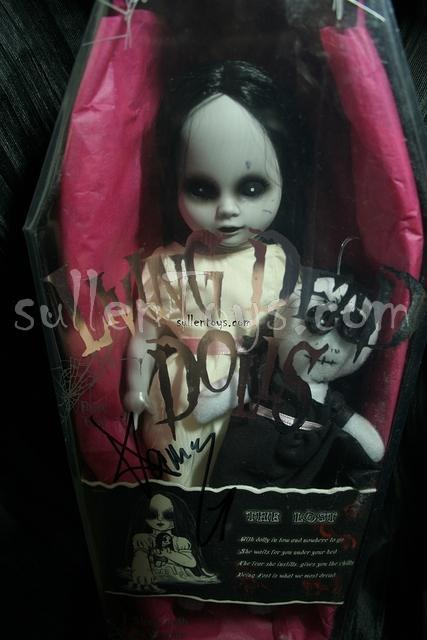 Living Dead Dolls, Series 8, The Lost, White